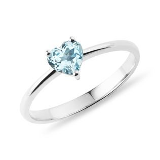 Heart-shaped topaz ring in 14k white gold
