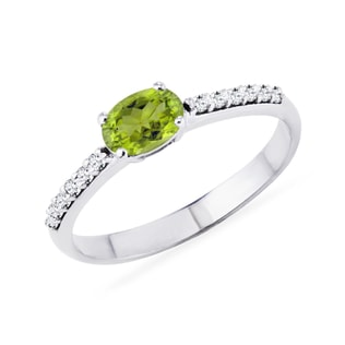 Olivine ring with diamonds in white gold