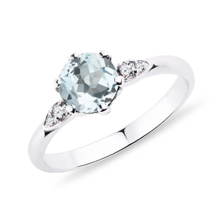 Gold ring with aquamarine and diamonds