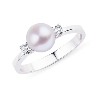 Akoya pearl ring with diamonds in white gold