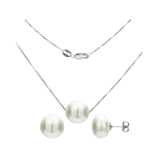Pearl set in sterling silver