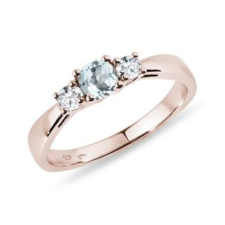Ring with aquamarine and diamonds in pink gold