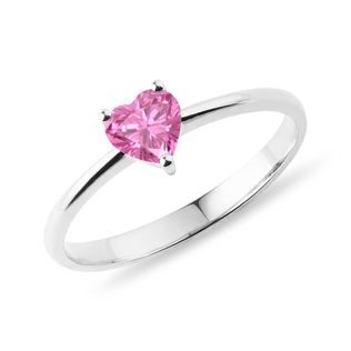 Heart-shaped pink sapphire ring in white gold