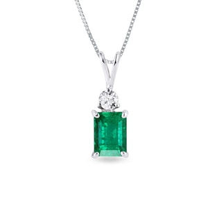 Emerald and diamond pendant in 14kt gold
