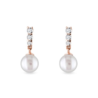 Pearl and diamond earrings in rose gold