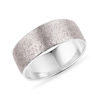 Sandblasted wedding ring made of white gold for men