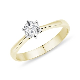 Engagement ring in yellow and white gold