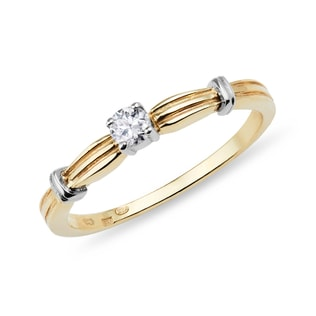 Diamond engagement ring in 14kt yellow gold