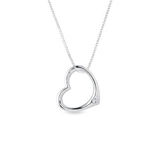 Heart-shaped pendant in white gold