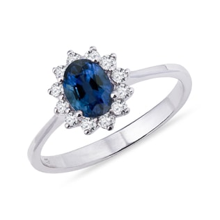 Sapphire and brilliant ring in 14kt white gold