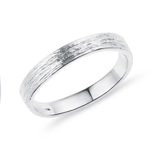 Women's wedding ring made of white gold
