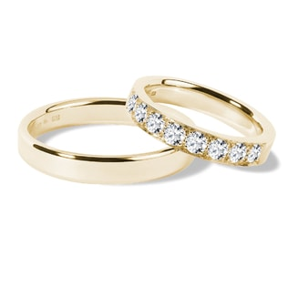 Wedding ring set with diamonds in yellow gold