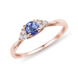Sapphire ring with diamonds in rose gold
