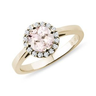 Morganit Ring mit Diamanten in Gelbgold