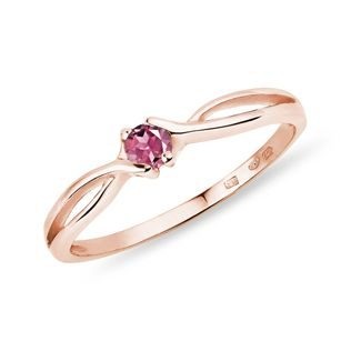 Pink tourmaline ring in rose gold