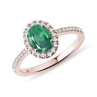 Emerald and diamond ring in rose gold