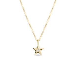 Diamond star necklace in yellow gold