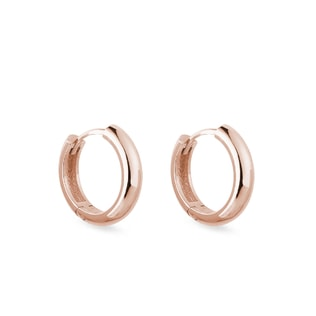 Minimalist hoop earrings in rose gold