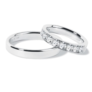 Wedding ring set with diamonds in white gold