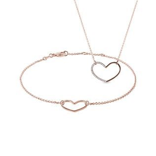 Heart-shaped jewelry set in rose gold