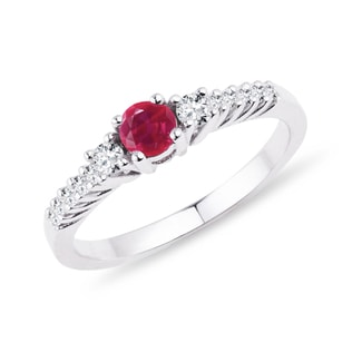 Ruby and diamond ring in 14kt gold