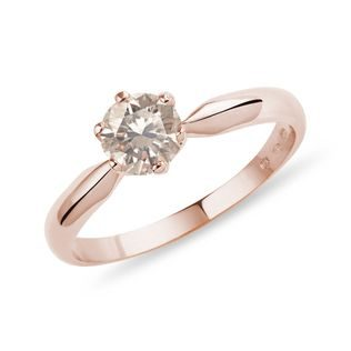 Ring made of pink gold with champagne diamond
