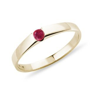 Minimalist ruby ring in yellow gold