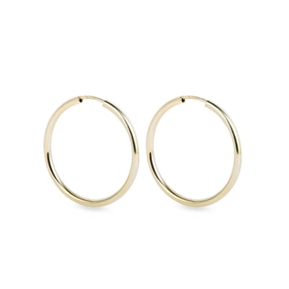 Hoop earrings in yellow gold