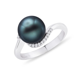 Tahitian pearl and diamond ring in 14kt gold