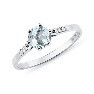 Bague en or avec aigue-marine et diamants
