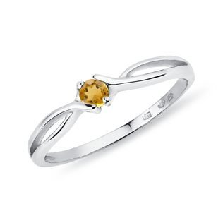 Yellow sapphire ring in 14kt gold