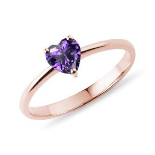 Heart-shaped amethyst ring in rose gold