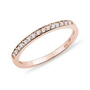 Wedding ring with diamonds in rose gold
