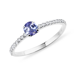 Bague en or blanc avec diamants et tanzanite
