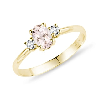 Gold ring with diamonds and morganite