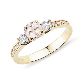 Bague en or jaune avec morganite et diamants