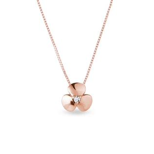 Diamond shamrock necklace in rose gold