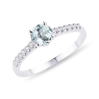 Aquamarine and diamond band engagement ring in white gold