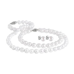 Pearl set in 14kt white gold