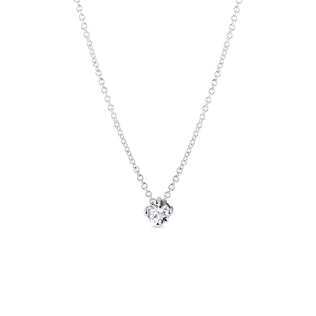 Delicate diamond necklace in white gold