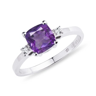 Silver ring with amethyst and diamonds