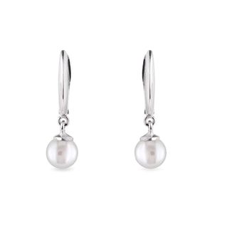 Freshwater pearl earrings in white gold
