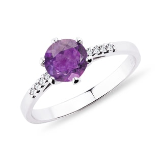 Amethyst Ring mit Diamanten in Weißgold