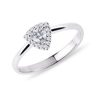 Trillion cut diamond ring in white gold