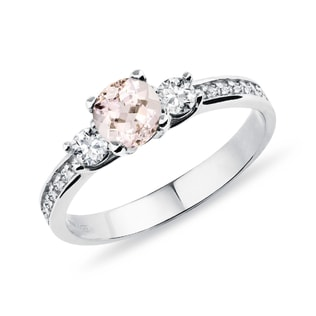 Gold ring with white diamonds and morganite