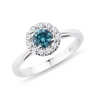 Blue and white diamond ring in 14kt gold