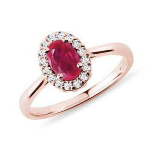 Ruby ​​ring with diamonds in rose gold