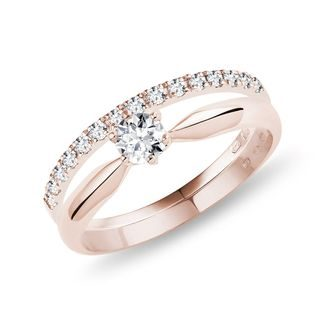 Diamond engagement ring set in rose gold