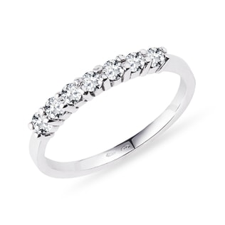 Diamond ring in14kt white gold