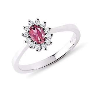 Oval tourmaline and diamond ring in white gold